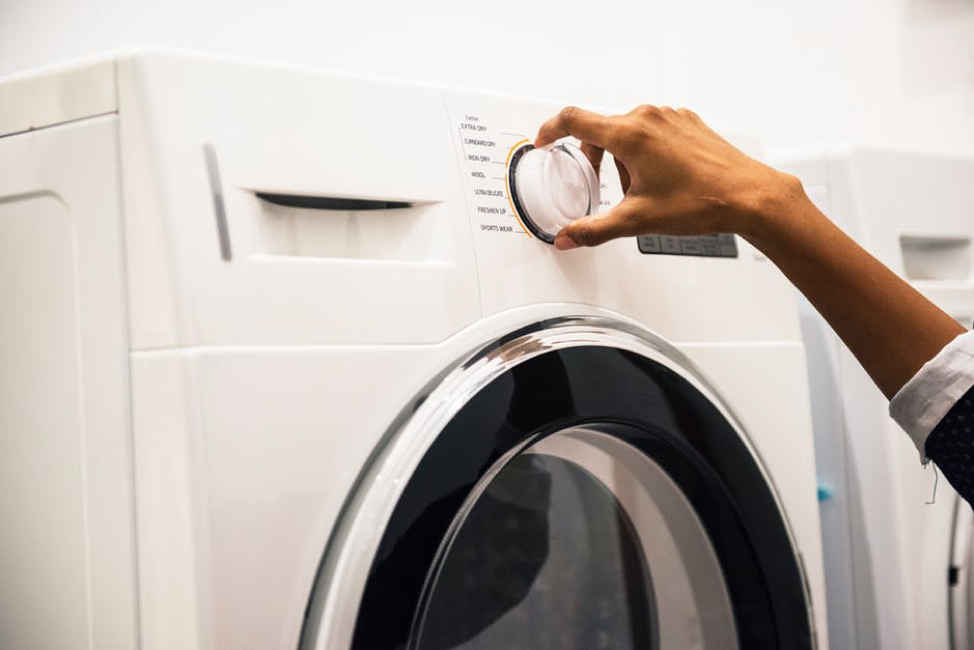 Do laundry when energy is the cheapest