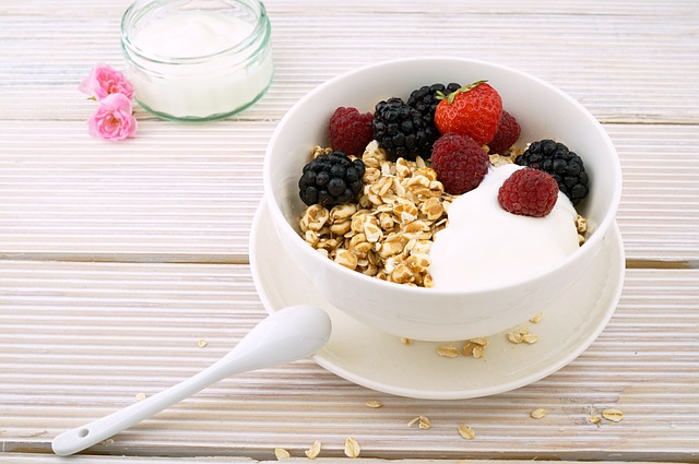berries and homeade granola are a great healthy snack idea