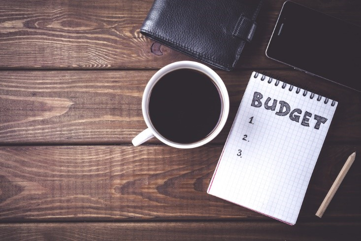 set a budget to avoid bad financial habits