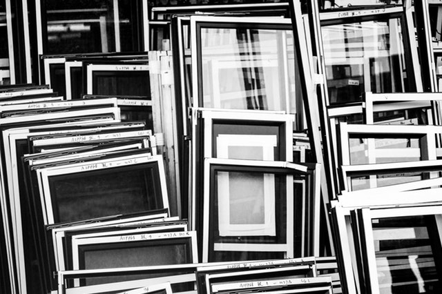 picture frames are some of the best items to flip