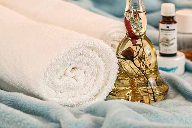 put together a spa day for your date night at home